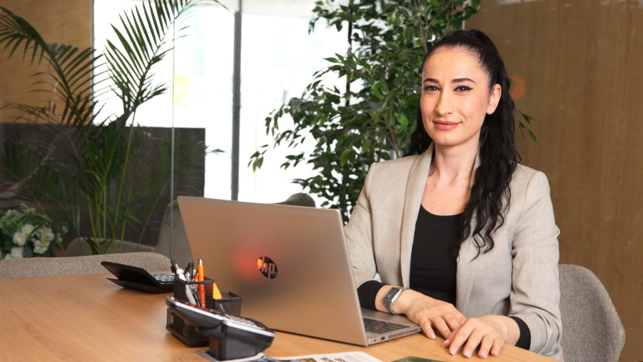 "Ioana Dobre, Parcului20 sales consultant: ""The customer wants to see things through his eyes"""